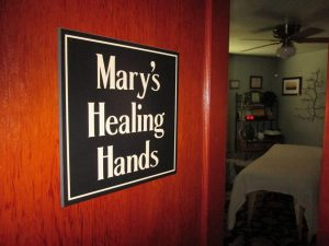 Maryshealinghands door